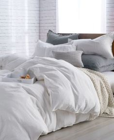 Terrific Bedroom Ideas - From really charming to incredibly relaxing stylish ideas and tricks. For extra deligthful comfy bedroom decor ideas info , why not press the link to study the website 5079517921 this instant Best Duvet Covers, White Duvet Covers, Duvet Cover Sets, Luxury Bedding Collections, Luxury Bedding Sets, Modern Bedding, Bed Sets, Le Cloud, Comfy Bedroom