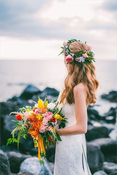 tropical wedding bouquet #weddingbouquet @weddingchicks