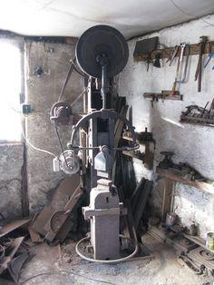 DIY power hammers – gonza-rytec – album na Rajčeti Propane Forge, Power Hammer, Blacksmithing, Metal Working, Beams, Album, Tools, Welding, Shop