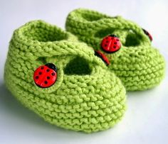#Knitting Saartje's Bootees - Free Pattern