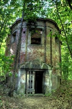 Abandoned Mausoleum in the woods by trey5170