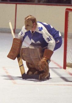 Murray McLachlan played two games in Hockey Goalie, Hockey Games, Hockey Players, Maple Leafs Hockey, Toronto Ontario Canada, Goalie Mask, Best Masks, Vancouver Canucks, Toronto Maple Leafs