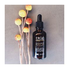 Twig Skin+Body  twigskinandbody.com ORGANIC BEAUTY OIL Packed full of beneficial oils that help improve the appearance of FINE LINES, SIGNS OF PREMATURE AGEING, SUN DAMAGED SKIN, SCARRING, STRETCH MARKS, UNEVEN SKIN TONE + DRY DULL HAIR. This skin essential is in stock now www.twigskinandbody.com @klbuchanan
