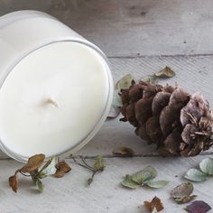 Aromatic candles by Essence + Origin #essenceandorigin #autumn #forage #candles #hydrangea