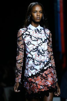 Mary Katrantzou Spring 2015 Ready-to-Wear Fashion Show Ny Fashion Week, New York Fashion, Fashion Show, Fashion Outfits, London Fashion, Best Fashion Designers, Fashion Brands, Greek Fashion, Couture Accessories