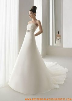 2010 Classic Chapel Bridal Wedding Dress
