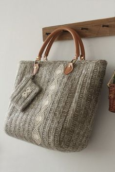 Bags - so beautiful grey bag Personalized (free) style advice for you - www. My Bags, Purses And Bags, Coin Purses, Designer Handbags Online, Cheap Designer, Discount Designer, Diy Sac, Knitted Bags, Tricot Facile