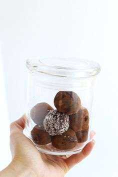 Healthy Almond Chocolate Truffle Energy Balls are simple to make, and only require 3 simple ingredients! Vegan, GF and refined sugar free! / TwoRaspberries.com