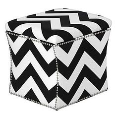 ottoman  #pattern  #black & white  #summer house...zoë loves black and white stuffs!  yeah!