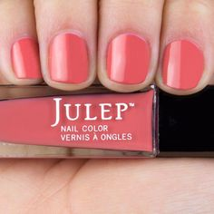 Style your nails with a modern mauve crème nail polish with Oxygen Technology by Julep. Veronica is the perfect pink nail polish for your at-home manicure or pedicure. Julep Nail Polish, Best Nail Polish, Nail Polish Sets, Nail Polish Colors, Pink Polish, Mauve Nails, Pink Nails, Manicure At Home, Nail Polish Collection