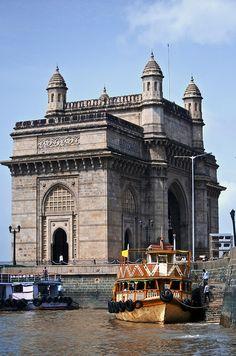 Gateway of India . Mumbai