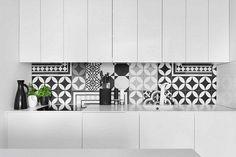 Azulejos cocina y variantes de diseño geometrico atrevidas e interesantes, consejos para su implementacion y mezcla de colores adecuados, galeria.