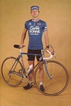 Click for a larger view Classic Road Bike, The Mont, Cycling Outfit, Your Photos, Free Images, Bicycle, Larger, Cyclists, Dutch