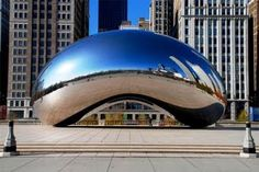 "Anish Kapoor ""The Cloud Gate"""