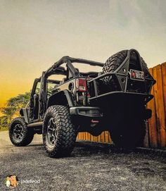 Follow-> @mullit_offroading @canyon.state.jeeps @mullit_offroading @canyon.state.jeeps Tag->#mullitz . @jadelirod Always love posting jeeps from my active followers. Showcasing their love and dedication to this wonderful obsession. I, and many others...