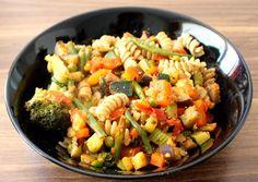 Ugolinon Seikkailut: RAIKAS KESÄPASTA Pasta Salad, Ethnic Recipes, Food, Crab Pasta Salad, Hoods, Meals