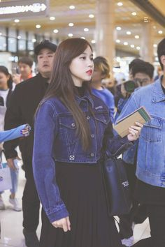Image about kpop in Mina by Merve Çiçek on We Heart It South Korean Girls, Korean Girl Groups, Twice Clothing, Casual Outfits 2018, Euna Kim, Pop Fashion, Fashion Outfits, Myoui Mina, Airport Style