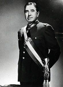 Augusto Pinochet, en 1980. Commandant en chef des forces armées chiliennes, Président de la junte de gouvernement Chef suprême de la nation chilienne, Président de la République du Chili (1915-2006)