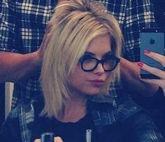 I love her hair!!!!