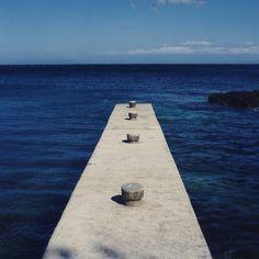 #harbor #porto #meria #corse #corsica #sea #sealife #ocean #magic #simmetria #deep #molo #landscape #orizzonte #sky #linea #walking #along #freedom #prospective #novellaorchidea #novella #orchidea #raccontierotici #racconti #ebook #ricardo #tronconi #erot