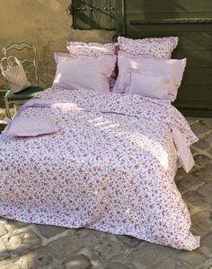 Pour dormir comme une princesse, quoi de mieux que de magnifiques draps de lit, doux au toucher et agréables à l'œil ?Notre sélection saura vous faire rêver...