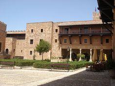 Plaza Interior | Castillo de Sigüenza actual Parador Nacional de Turismo