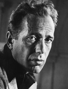 Humphrey DeForest Bogart (December 1899 – January was an American actor and is widely regarded as an American cultural icon. In the American Film Institute ranked Bogart as the greatest male star in the history of American cinema. Humphrey Bogart, Hollywood Stars, Classic Hollywood, Old Hollywood, Faye Dunaway, Bogie And Bacall, Philippe Halsman, Actrices Hollywood, Celebrity Portraits