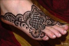 Black Mehndi on Foot 25 Fabulous Foot Mehndi Designs for Your Next Event