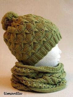 Samaisesta langasta, kuin eilen postaamani tuubihuivi, syntyi sille kaveriksi pipo, tuolla ihanalla Butterfly Hat ohjeella, jolla olen te... Knitting Charts, Knitting Patterns Free, Free Knitting, Knitting Socks, Crochet Baby Poncho, Knit Crochet, Knit Mittens, Knitted Hats, Knitting For Kids
