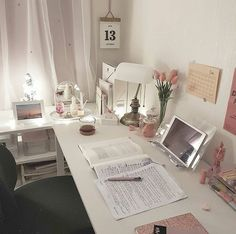 Discover recipes, home ideas, style inspiration and other ideas to try. Study Room Decor, Cute Room Decor, Study Rooms, Bedroom Decor, 70s Bedroom, Study Areas, Desk Inspiration, Decoration Inspiration, Desk Inspo