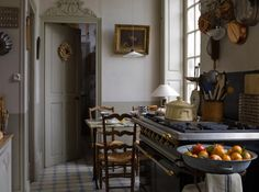 chic french cottage kitchen - detail above the door French Country Kitchens, French Country Decorating, Country French, Country Homes, French Cottage, French Farmhouse, Farmhouse Decor, Cottage Art, Vintage Farmhouse