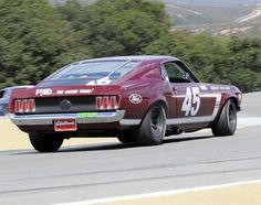 Road Race Car, Road Racing, Auto Racing, Race Cars, Mustang Boss 302, 1970 Ford Mustang, Vintage Auto, Vintage Racing, Mustang Emblem