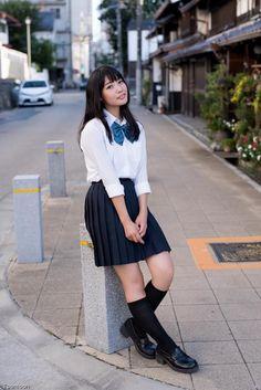 School Girl Japan, School Girl Dress, School Uniform Girls, Girls Uniforms, Anime Girl Dress, Japan Outfit, Japanese School Uniform, Beautiful Japanese Girl, Le Jolie