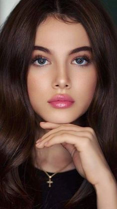 Hair and beauty Lovely Eyes, Most Beautiful Faces, Beautiful Lips, Gorgeous Women, Stunning Eyes, Beauty Full Girl, Beauty Women, Woman Face, Belle Photo