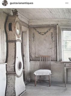 Outstanding french country decor are available on our site. Swedish Decor, Swedish Style, Nordic Style, Antique Interior, Scandinavian Living, Scandinavian Interior, Swedish Interiors, Natural Home Decor, French Country Decorating