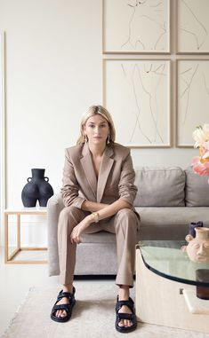 Fashion Cover, Suit Fashion, Casual Suit, Casual Outfits, Camille Charriere, Ugly Shoes, Vogue Japan, Latest Shoe Trends, Street Style Trends