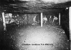 1915 Pick mining, Newcastle coal mine, Drumheller, Alberta.