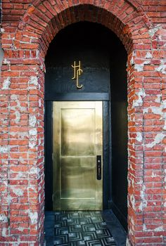GOLD DOOR home.quenalbertini: Hotel Covell, Boutique Hotel in Los Angeles, Sally Breer Design