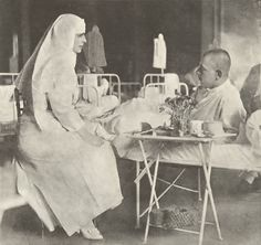 The first Baha'i from a royal family, Queen Marie of Romania, became a Baha'i shortly after her husband King Ferdinand died. Uk Prince, Romanian Royal Family, Queen Victoria Children, Queen Mary, Royal Weddings, European History, Eastern Europe, Royalty, Painting