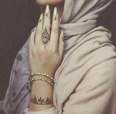 #henna #mehendi #tatts #tattoos