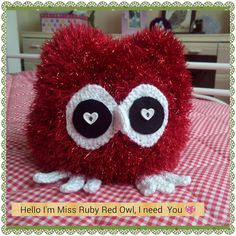 knitted Red Owl-Owl Lovers Handmade by Ladydarinefinecrafts