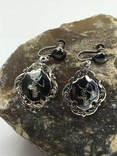 Stunning Vintage Siam Silver Screw Back Earrings by LoubooluJewellery on Etsy Rhinestone Jewelry, Silver Earrings, Silver Jewelry, Vintage Jewelry, Drop Earrings, Statement Jewelry, Jewelry Necklaces, Jewellery, Screw Back Earrings