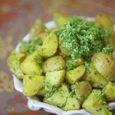 Roasted potato salad with cilantro pesto recipe !food done l Easter Dinner Recipes, Healthy Dinner Recipes, Vegetarian Recipes, Cooking Recipes, Potato Salad Recipe Easy, Pesto Recipe, Potato Recipes, Shawarma, Linguine