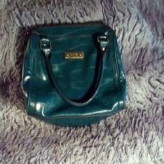 Brand new gorgeous teal leather Relic handbag Brand new .Beautiful quality leather and very chic color!!!:) Relic Bags Satchels