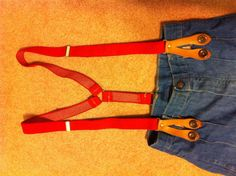 1970s wide leg, high waisted jeans with red braces #retro #hippy #boho