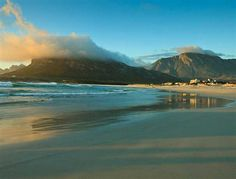 the colors. South Afrika, Wild Olive, Seaside Village, Cape Town South Africa, Beautiful Places, Amazing Places, Red Sea, Whale Watching, Nature Reserve