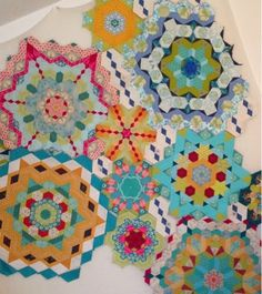 Periwinkle Quilting and Beyond The New Hexagon - Millefiore Quilt-Alond by Katja Marek
