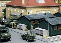 Faller military ammunition boxes Mercedes Benz, Volkswagen, Train Information, Military Diorama, Military History, Model Trains, Outdoor Decor, Miniature, Boxes