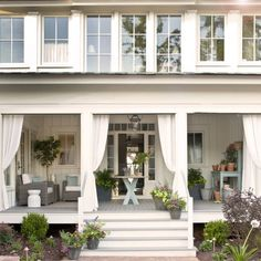 A farmhouse front porch décor is really interesting if we can arrange it perfectly. A farmhouse front porch décor is the face of the home. Front Porch Garden, Farmhouse Front Porches, Southern Front Porches, Screened Porches, Farmhouse Windows, Modern Farmhouse, Farmhouse Style, Farmhouse Ideas, Pergola