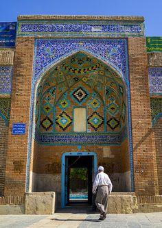 Dar Ol Ehsan Mosque Entrance, Sanandaj, Iran | © Eric Lafforgue www.ericlafforgue.com